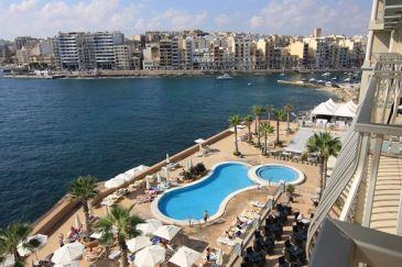 cavalieri art hotel malte